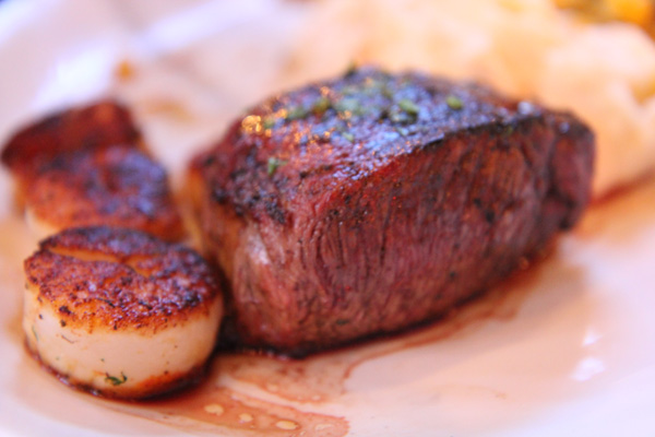 Outer Banks Personal Chef Meals: Tenderloin and Seared Scallops